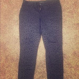 Maurices black leopard print lg Jeggings